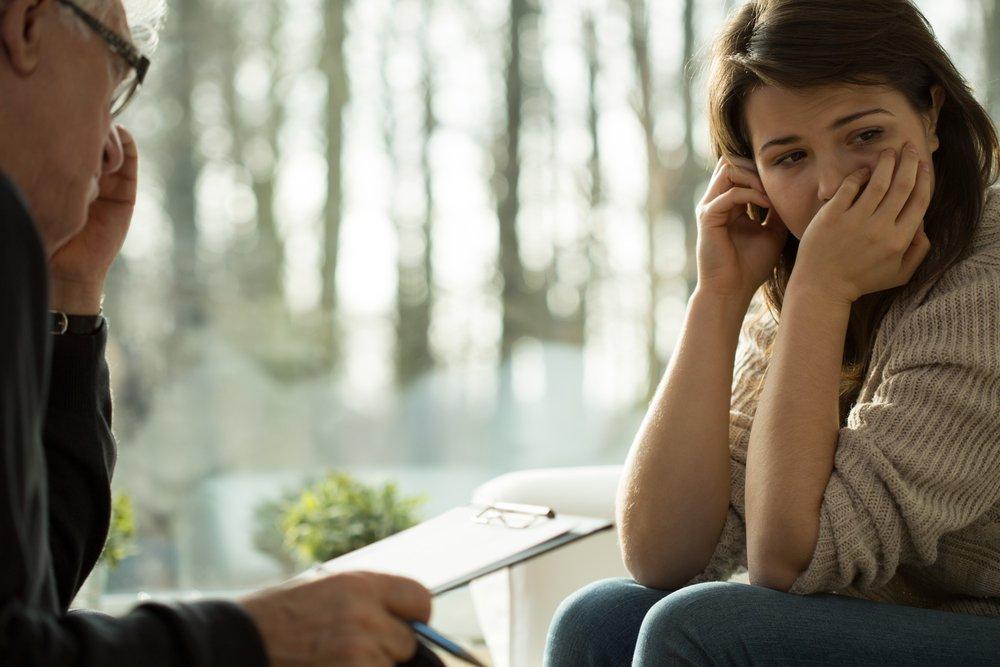 Ragazza con disturbo affettivo stagionale dallo psicologo