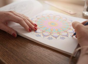 Art therapy e Mandala. Colorare per combattere lo stress