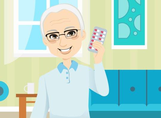 disegno di luigi, uomo anziano sorridente con pillole in mano