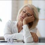 Menopausa e stanchezza cronica: 5 consigli per ritrovare energia